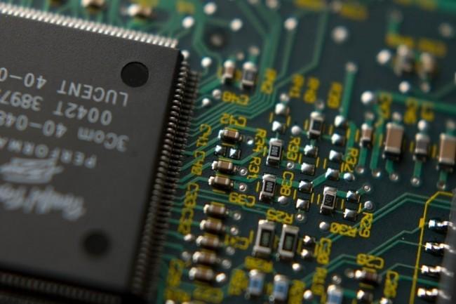 Les composants mémoires pèsent à eux seuls 34,8% du marché des semiconducteurs contre 31% en 2017. (crédit : zathris/Pixabay)