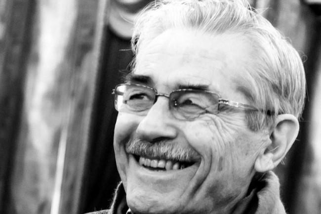 Louis Pouzin, reconnu comme un des pères de l'Internet, a été promu Officier de la légion d'honneur. (crédit : Jérémie Bernard / Wikipedia)