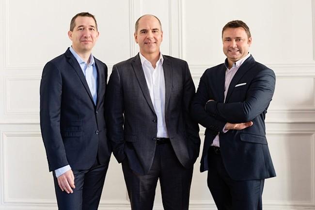 De droite à gauche : Yannick Delibie, co-fondateur et DG délégué de Kerlink, William Gouesbet, co-fondateur et PDG de l'entreprise, et Robert Clapham, directeur général adjoint. (Crédit : Kerlink)
