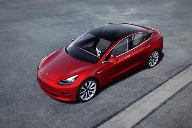 Le constructeur automobile américain Tesla va licencier près de 3 mille employés