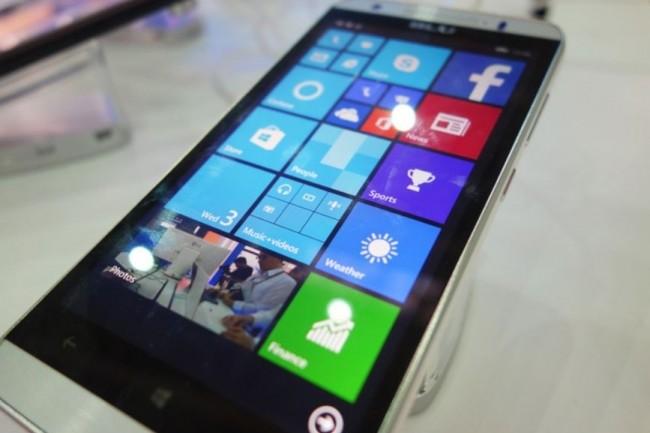 Windows 10 Mobile n'a pas su trouver sa place sur le marché des OS mobiles, pris en tenaille entre Android et iOS. (crédit : Martyn Williams)
