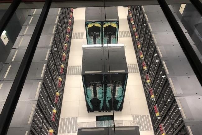 48 racks avec 3456 n�uds �quip�s de puces Intel Xeon Platinium pour le datacenter HPC du BSC � Barcelone. (Cr�dit S.L.)
