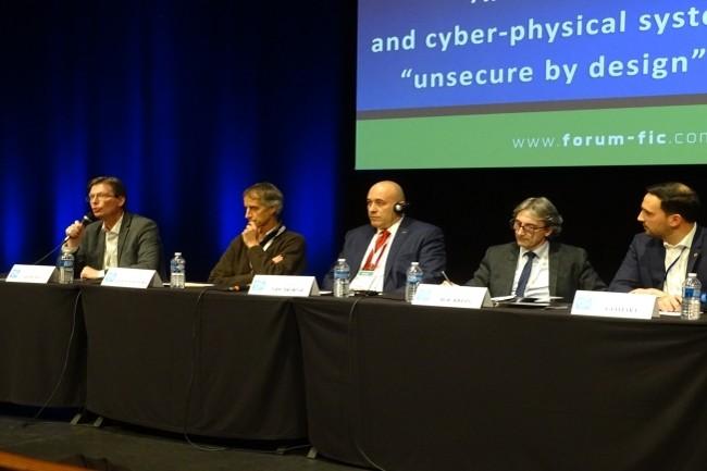 Une table-ronde sur la sécurité des systèmes industriels a insisté sur la security by design des nouveaux matériels. (Crédit Photo : Jacques Cheminat)