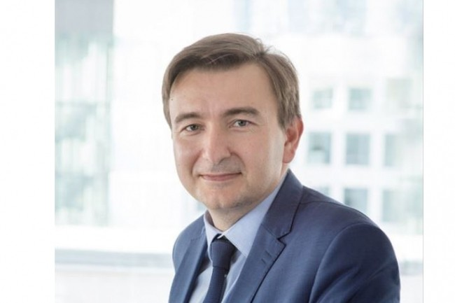 Le spécialiste français du câble, dirigé depuis juillet dernier par Christopher Guérin, pourrait supprimer plus de 900 postes en Europe et en créer 296 autres dans le cadre de sa réorganisation. (Crédit : D.R.)