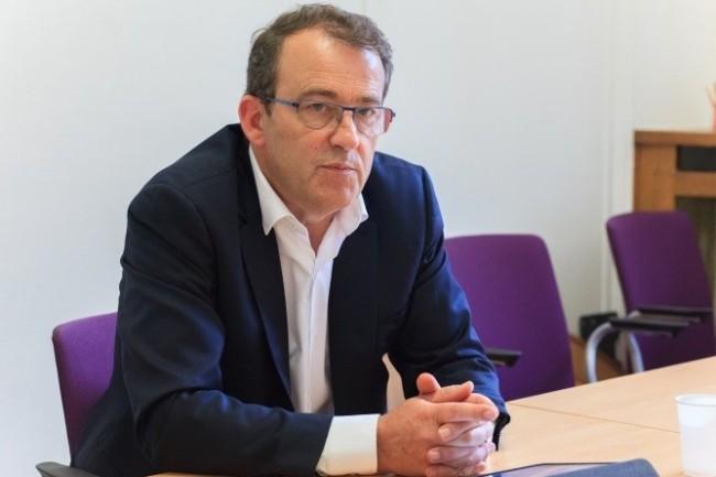 La SNCF avait muté Denis Breteau, acheteur au sein de la direction des Achats à eSNCF. La lettre de licenciement a donc été signée par Benoît Tiers, directeur général de eSNCF. (crédit : Alexia Perchant)