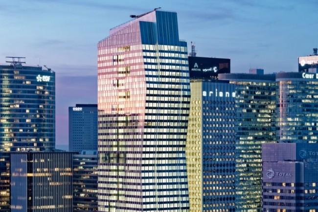 Le siège de Deloitte France est installé dans la tour Majunga à la Défense, le groupe étant par ailleurs présent en région dans une vingtaine de villes. (Crédit : Deloitte)