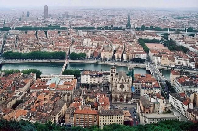 La Métropole de Lyon a consolidé sa plateforme de relation avec les usagers basée sur Coheris CRM. (Crédit Photo: Patrick Giraud/Wikipedia)