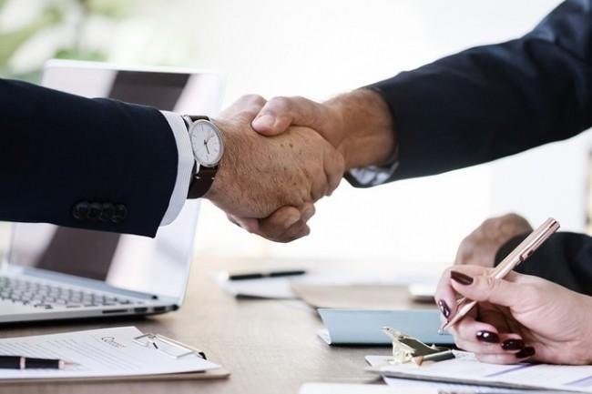 Gartner estime qu'en 2021 les DSI devront avec les DRH accompagner le changement de culture dans les entreprises. (Crédit Photo : Rawpixel/Pixabay)