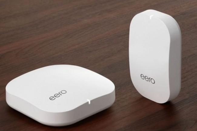 Les routeurs mesh, comme ceux d'Eero, ont l'avantage d'augmenter la stabilité et la couverture du WiFi dans les environnements domestiques. (crédit : D.R.)
