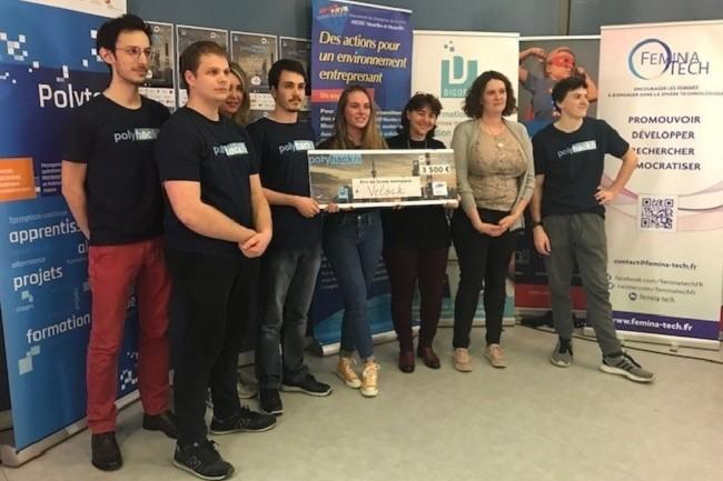 Les 5 membres de l'équipe Velock ont remporté le premier prix du Hackathon Polytech Nancy, d'une valeur de 3 500 €. (Crédit : Digora)