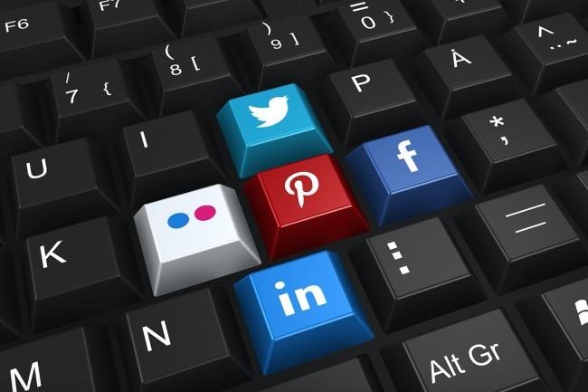 Selon un sondage Ifop commandé par Havas Paris et August Debouzy, 55% des Français (66% des moins de 35 ans) ont publié un avis sur des entreprises sur Internet au cours des 12 derniers mois. (Crédit : Pixabay/472301)