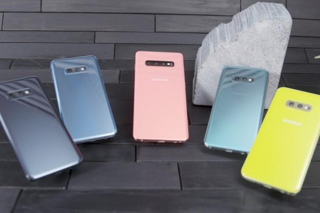 Samsung propose une gamme de Galaxy S10 très colorée. (Crédit : Christopher Hebert, IDG)