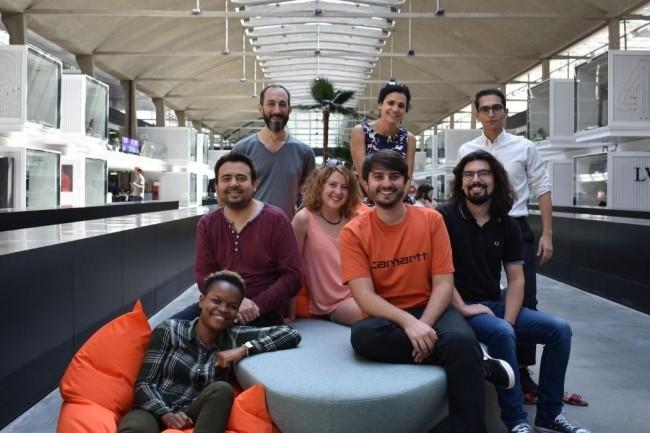 Co-fondée par Benoit Slibeau, Laura Beaulier (en haut à gauche), Rodrigo Reyes et Sonia Perelroizen (en deuxième ligne), l'app proposée par Kobus  permet de suivre, d'analyser et de personnaliser sans limites des bilans kiné. crédit. D.R.