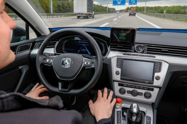 La technologie blockchain pourrait aussi être utilisée pour établir les responsabilités en cas d'accident impliquant des véhicules autonomes. (Crédit : Continental)