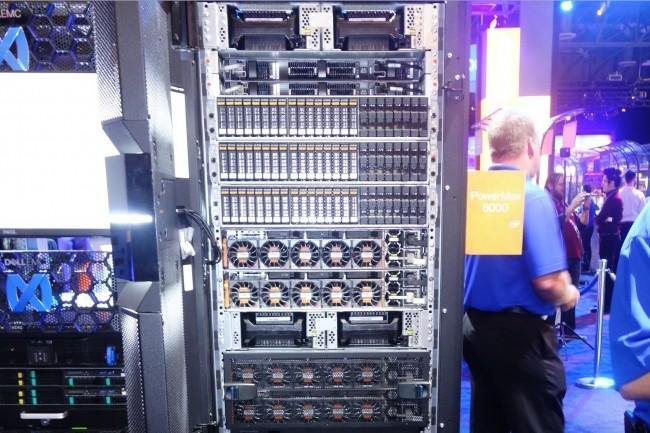 Dans le classement des fournisseurs de systèmes de stockage externe, Dell maintient sa position de leader, mais NetApp vole la deuxième place à HPE. (Crédit : MG)