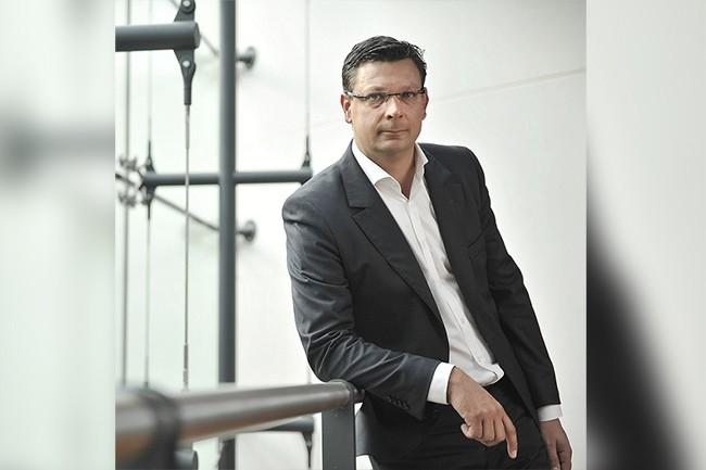 Olivier Larribe, jusque là à la tête des alliances et partenariats de SQLI, prend la direction générale d'Invent Commerce. (Crédit : SQLI)