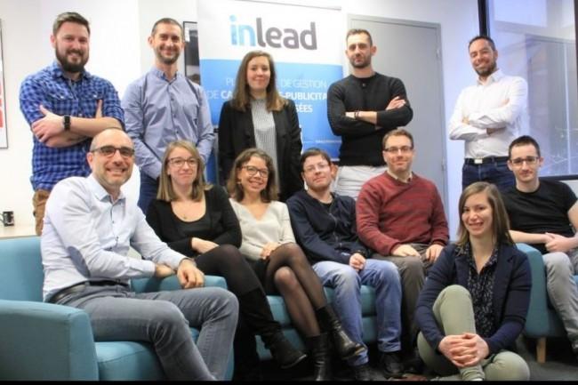 La jeune pousse nantaise Inlead créée par Philippe Juredieu (assis à gauche) aide les grandes enseignes et leurs points de vente dans leurs démarches de visibilité digitale locale.Crédit. D.R.