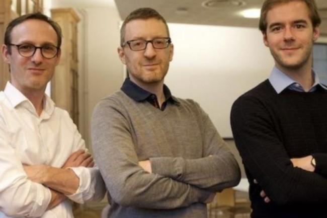 Le Dr Arnaud Rosier, co-fondateur et directeur général d'Implicity entouré par David Perlmutter et Louis Pinot de Villechenon, les deux autres co-fondateurs du groupe. (Crédit : D.R.)