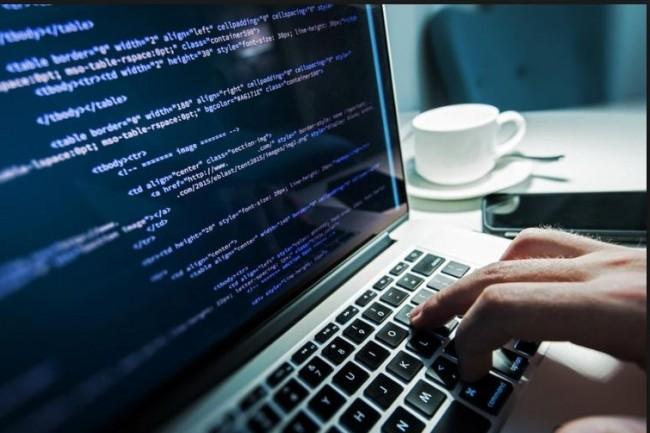 Dans sa dernière enquête, le site de recrutement LesJeudis fait la lumière sur la fonction de développeur web en France. Crédit. D.R.