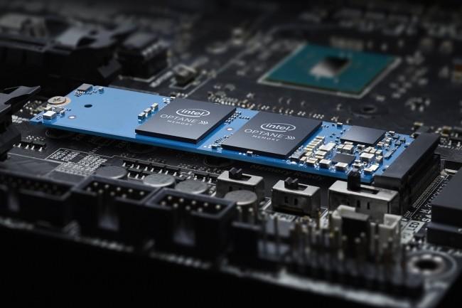 A l'ajoutdeSSD Optane Memory dans un emplacement M.2 de la carte mère du PC, Windows le reconnait comme un pool de stockage combiné unique. (Crédit : Intel)