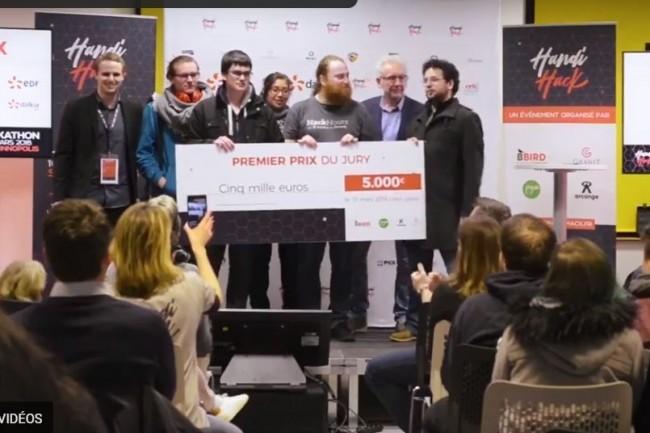 L'an dernier, les équipes du projet Réalité ont remporté  le 1er prix du hackathon normand sur le thème de la sensibilisation du handicap en entreprise. Crédit. D.R.
