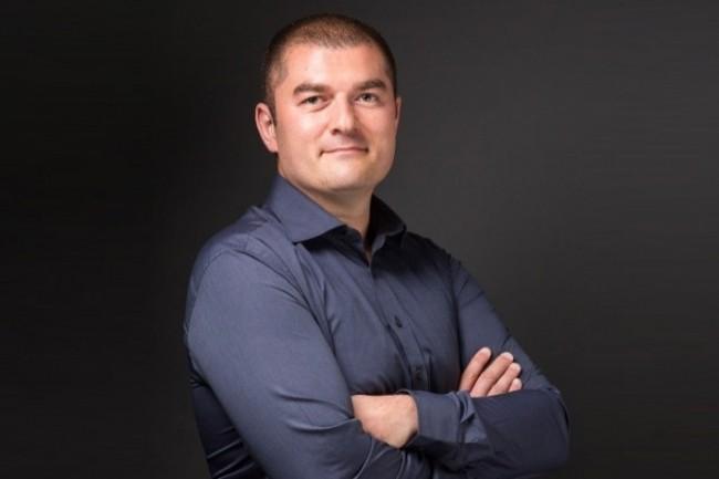 Responsable Exploitation / Production de Pixid, Antoine Gosset a migré la base de données de Oracle vers MariaDB.