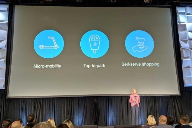 Jennifer Bailey, vice-présidente d'Apple, lors de la présentation des futures fonctionnalités d'Apple Pay, fin avril, sur la conférence Transact, à Las Vegas. (Crédit : Scott Harkey)
