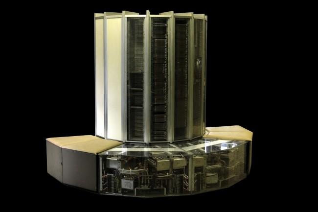 Lancé en 1976, leCray-1pesait près de 5 tonnes.(CréditRama, WikimediaCommons,Cc-by-sa-2.0-fr)