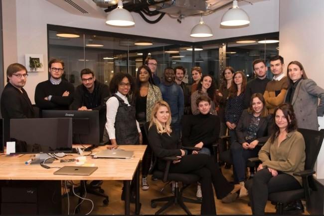 Fondée et dirigée par Elodie Djuric (au centre), Jobset est une plateforme de recrutement sélective réunissant des développeurs et des entreprises en quête de profils qualifiés. (Crédit. D.R.)