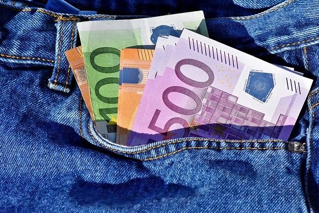 L'entreprise qui rémunère le mieux ses employés en France est à Oracle (70 K€ bruts annuels), suivi par SAP (65 K€) et Microsoft (63 K€). crédit : Capri23auto / Pixabay