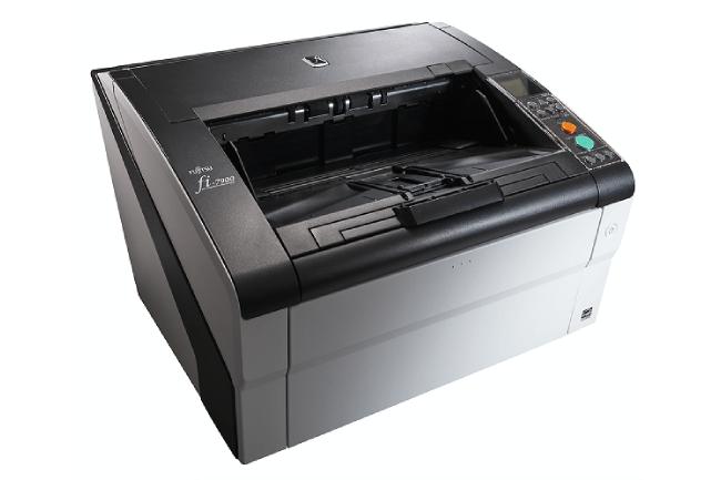 Le scanner Fi-7900 de Fujitsu peut traiter jusqu'à 120 000 pages par jour. (Crédit : Fujitsu)