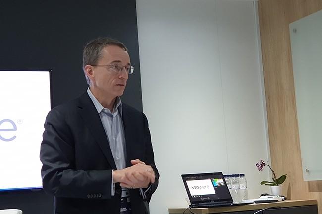 VMware, dont Pat Gelsinger est le CEO, a vu ses résultats renforcés notamment grâce à l'acquisition récente de Bitnami et AetherPal. (Crédit : Nicolas Certes)