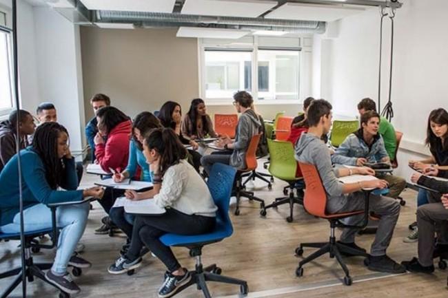 Le bachelor Tech & Code Factory conduit à un diplôme de développeur de niveau II assorti d'un CDI. (Crédit: Web school factory)