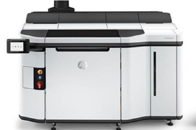 L'imprimante 3D Jet Fusion 5200 de HP sera en mesure de travailler des pièces flexibles en Ultrasint, un polyuréthane thermoplastique récemment développé par BASF. (Crédit : HP)