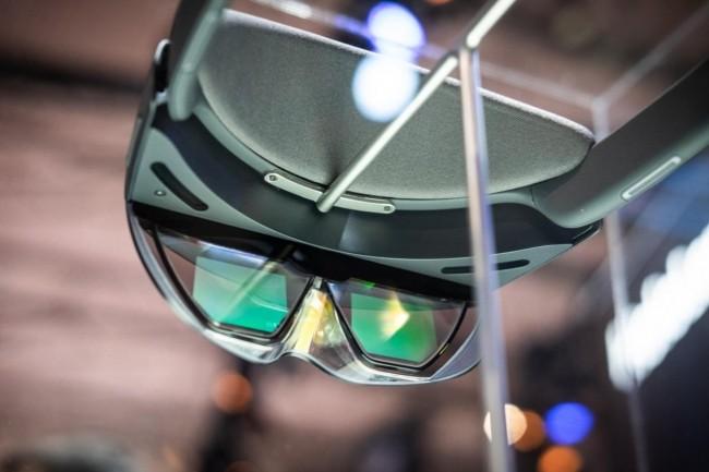Les Hololens de Microsoft sont beaucoup plus légères que la première mouture. (Crédit Adam Patrick Murray / IDG)