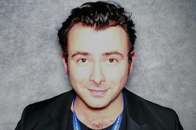 Erwan Kezzar, président de TharGo, co-fondateur et ex-directeur de Simplon.co, annonce maintenant >Contournement>, une formation au no-code créée avec Laure Pichot, Charlotte Limousin et Alexis Kovalenko, fondateur de Hosakka Studio. (Crédit : D.R.)