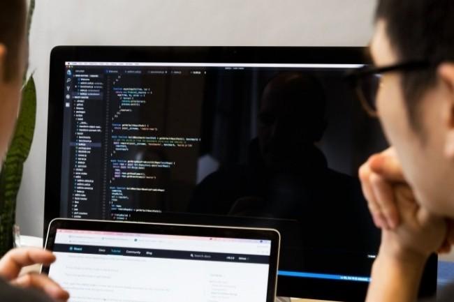 Plusieurs administrations vont bénéficier de projets IA pour améliorer la vie des usagers et des agents. (Crédit Photo: Sarah Pflug.Burst)