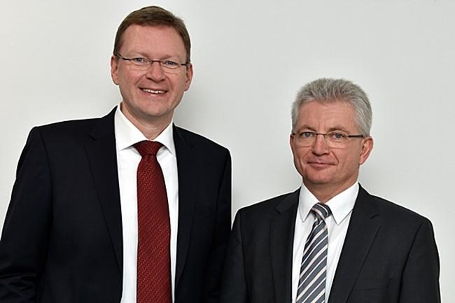 Michael Berger (à gauche) et Max Ertl en resteront les présidents de Docuware après la signature du rachat de l'entreprise par Ricoh. (Crédit : Docuware)