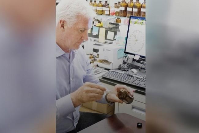 David Apel, parfumeur senior chez Symrise, a collaboré avec l'IA Philyra pour créer deux parfums. (Crédit : D.R.)