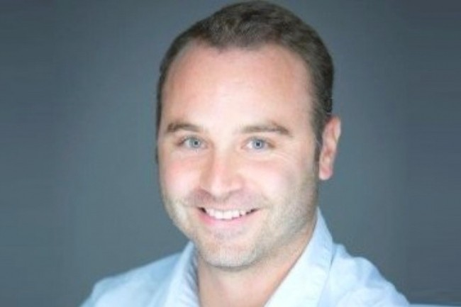 Sébastien Gamet, Travel Manager de Kedge Business School, se réjouit d'une baisse de 20 % des coûts du trajet-type. (crédit : D.R.)