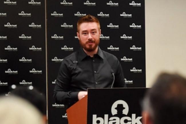 La sécurité est l'affaire de tous, a insisté Dino Dai Zovi, ingénieur chez Square, sur la conférence Black Hat 2019. (Crédit : Black Hat)