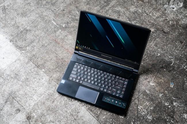 L'Acer Predator Triton 500 dispose d'un Core i7-8750H (8e Gen) - et d'un GPU Nvidia GeForce RTX 2060 - avec 16 Go de RAM et 512 Go NVMe M.2 SSD.