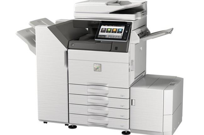 Les derniers modèles lancés par Sharp atteignent un tirage de 50 à 60 pages par minute. (Crédit : Sharp)