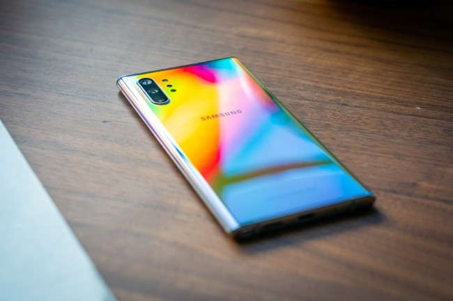 La version XL du Galaxy Note 10 de Samsung surprend en misant sur les performances et un affichage hors norme. (Crédit Photo : Daniel Masaoka/IDG)