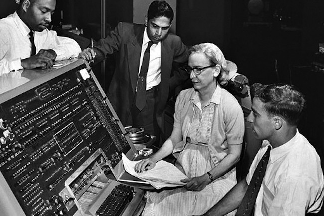Grace Murray Hopper a participé à la conception d'UNIVAC I et d'applications navales en Cobol. (Crédit D.R.).