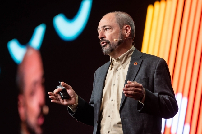 Le CEO de Pure Storage Charles Giancarlo met en avant l'expérience multicloud proposée aux entreprises. (Crédit Pure Storage)