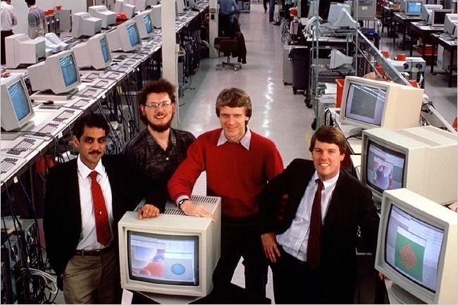 Les 4 fondateurs de Sun posent pour une photo devenue célèbre (Crédit D.R.)