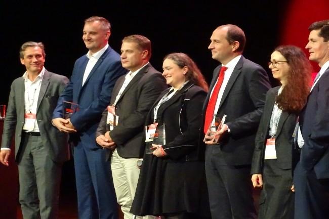 L'ensemble des lauréats du Grand Prix desAssises de la Sécurité avec les membres du jury. (Crédit Photo: JC)