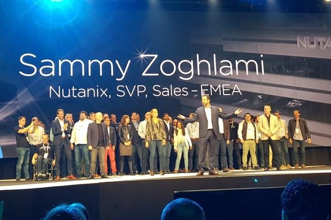 Pour les 10 ans de Nutanix, Sammy Zoghlami, VP EMEA, s'est entouré des moteurs historiques de l'entreprise. (Crédit S.L.)