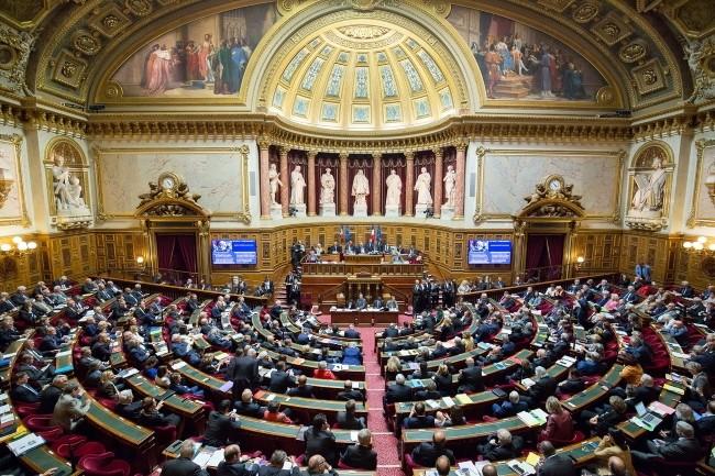 L'approche BYOD sans contrôle des sénateurs est épinglée par le rapport d'information sur le sécurité des pouvoirs publics. (Crédit Photo : Sénat)